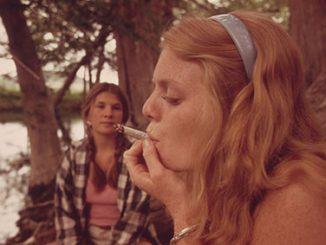 thumb_smoking